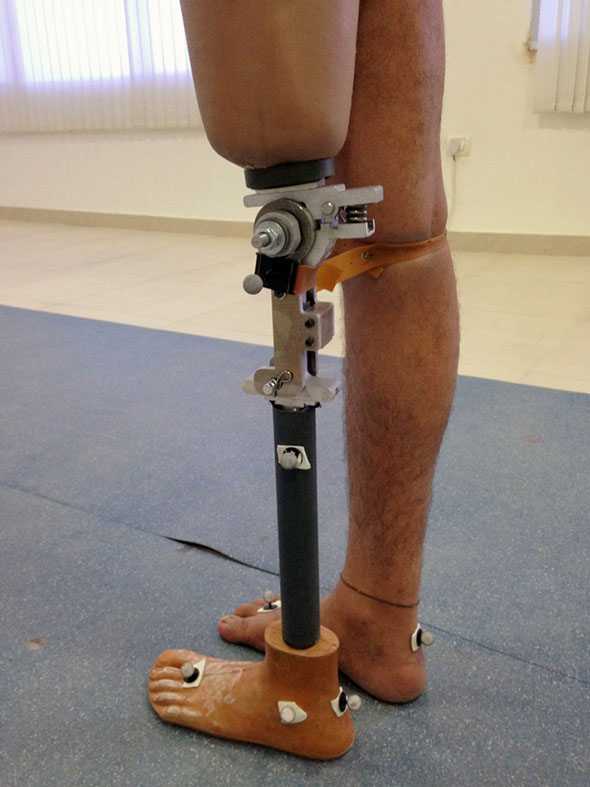 leg prothesis In this brief history of prosthetics, we explore the evolution of prosthetics, the early attention to aesthetics, the great technological leaps.